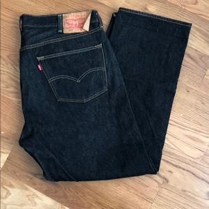 Men's 501 Levi's in black, size 40x32.
